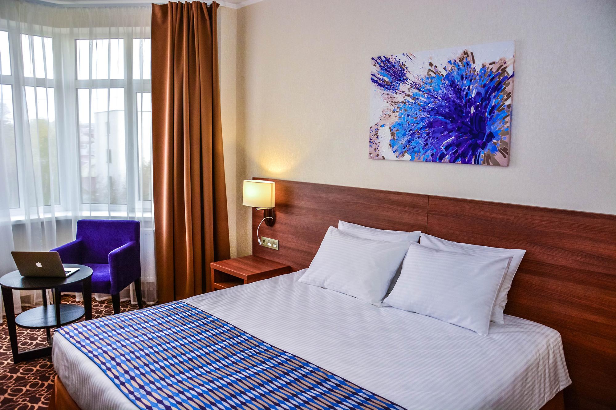Raymond-Hotel-10