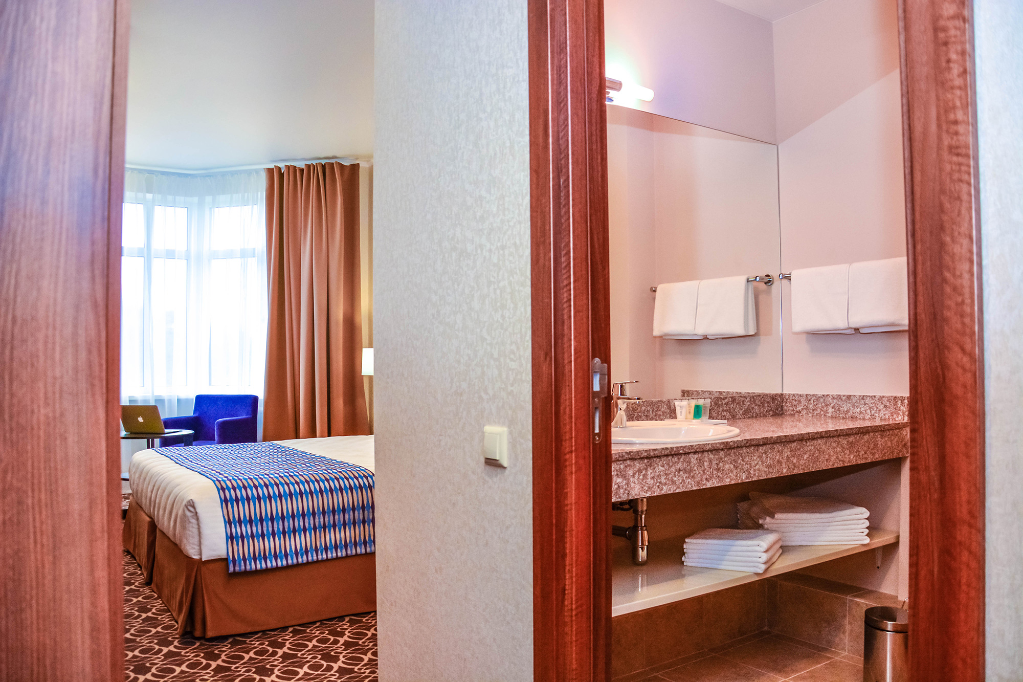 Raymond-Hotel-30