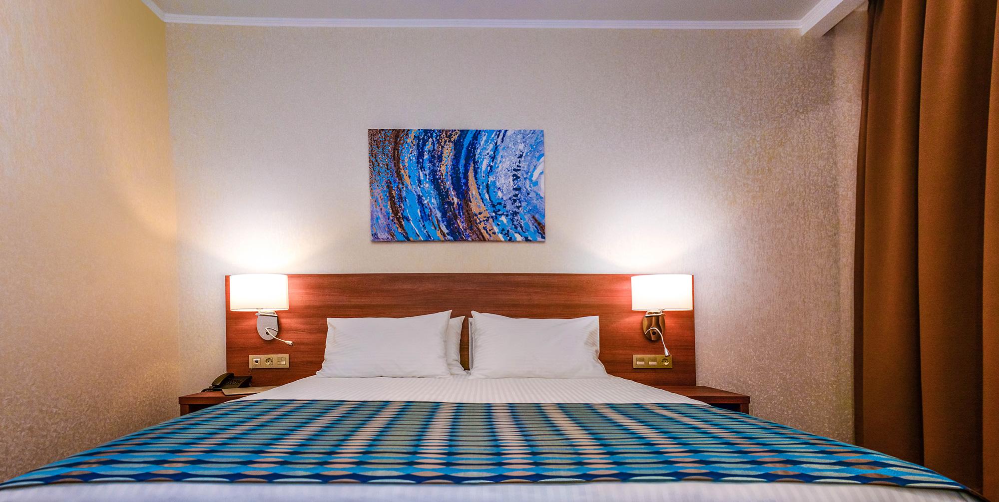 Raymond-Hotel-7